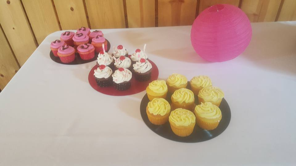 Cupcake Wedding Side